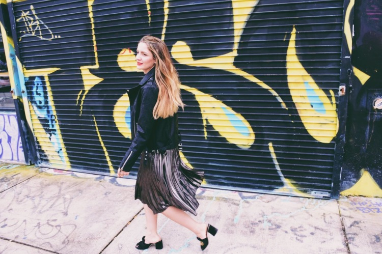 Fashion stylist and girl boss entrepreneur Carolina benoit from please don't tell